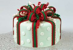 pictures of christmas cakes decorated | Holiday Happiness Cake