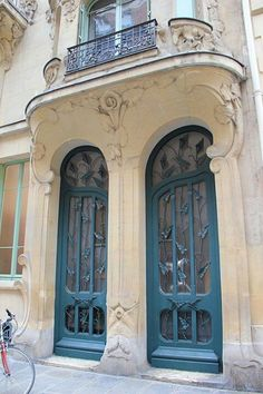 Art nouveau doors at Paris