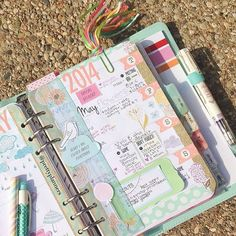 Image discovered by Turton. Find images and videos about planner, organization and filofax on We Heart It - the app to get lost in what you love. Planner Bullet Journal, Agenda Planner, Cute Planner, Planner Pages, Happy Planner, Planner Stickers, Printable Planner, Planner Decorating, Planner Organization