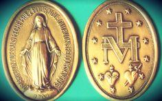 La Medalla Milagrosa es una especial medalla basado en las visiones místicas de Santa Catalina Labouré en el siglo XIX. Es un