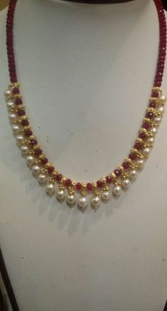 20 Ideas Jewerly Design Necklace Chains For 2019 20 Ideas Jewerly Design Necklace Chains For 2019 Pearl Necklace Designs, Gold Earrings Designs, Gold Jewellery Design, Handmade Jewellery, Pearl Necklaces, Jewelry Necklaces, Jewelry Holder, Jewelry Sets, Gold Necklace