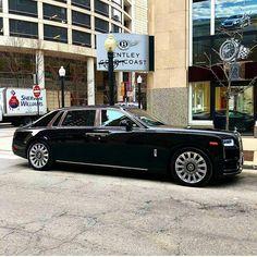 rolls royce classic cars by owner Rolls Royce Limousine, Rolls Royce Cars, Audi, Porsche, Rolls Royce Concept, Lamborghini, Rolls Royce Cullinan, Rolls Royce Phantom, Best Luxury Cars