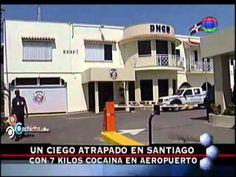 Un ciego atrapado en aeropuerto de santiago con 7 kilos de cocaina #Video - Cachicha.com