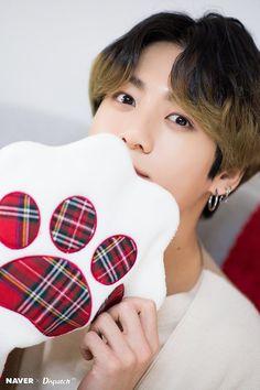 Jungkook of BTS : Christmas Special 🎄🎁 Busan, Bts Jungkook, Yoongi, Twitter Jungkook, Hoseok Bts, Foto Bts, Bts Photo, Jung Kook Bts, Jung Hyun