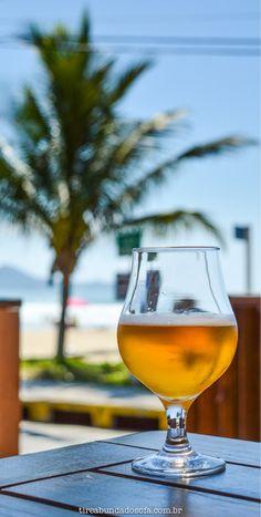 O que fazer em Bombinhas, uma das cidades mais visitadas de Santa Catarina. Brasil. #bombinhas #sc #santacatarina #cerveja #brasil #praia #viagem Cocktail Cake, Beach Cocktails, Instagram Story Ideas, Beautiful Places To Visit, Craft Beer, Instagram Feed, Brewing, Alcoholic Drinks, Wine