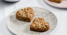 Découvrez cette recette de Biscuits rapides à l'avoine et aux bananes pour 12 personnes, vous adorerez!