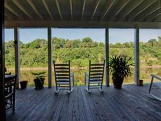 INFINITY PORCH!!! GREAT VIEW OF THE RIVER,,, 30 FT FROM THE EDGE!!!!