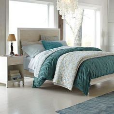 gorgeous bedding for the guest bed; love pairing it with the darker teal