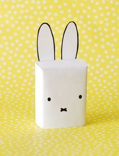 Treat daycare, box of raisins like Miffy! - Treat daycare, box of raisins like Miffy! Fast, simple and cute. As a tail a s - Birthday Treats, Party Treats, Party Snacks, First Birthday Parties, First Birthdays, Baby Birthday, Fruit Quotes, Little Presents, School Treats
