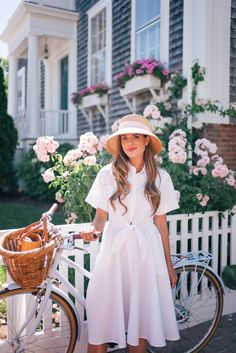 A Week on Nantucket Part Gal Meets Glam Modest Fashion, Fashion Outfits, Women's Fashion, Gal Meets Glam, Ootd, Feminine Style, Pretty Woman, Spring Fashion, Summer Outfits