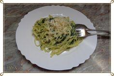 Ildy G. - gasztro és kreatív blogja: Spenótos-mascarponés tagliatelle Spaghetti, Ethnic Recipes, Food, Tagliatelle, Essen, Meals, Yemek, Noodle, Eten