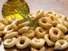 Taralli (biscuits salés italiens) - Recette de cuisine Marmiton : une recette