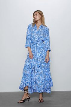 Long Sleeve Midi Dress, Floral Midi Dress, Celebrity Dresses, Celebrity Style, High Collar Dress, Rustic Dresses, Vestidos Zara, Summer Outfits, Summer Dresses