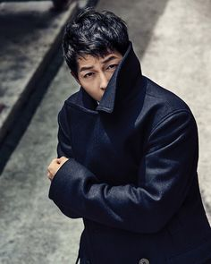 For all of us suffering from lack of Song Joong Ki, TOPTEN continues to share his smexiness with us: here he's showing off some of their F/W line. We're patiently waiting for him to ret… Descendants, Most Handsome Korean Actors, Song Joong Ki Birthday, Soon Joong Ki, Sun Song, Sungkyunkwan Scandal, Korean Drama Series, Songsong Couple, Hot Korean Guys
