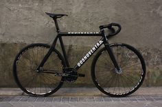 This bicycle is beautiful enough to be featured on Bike Showcase: Dosnoventa Tokyo Carbon Track Cycling, Cycling Bikes, Fixed Gear Bicycle, Bike Run, Bici Fixed, Speed Bike, Bike Style, Bike Accessories, Bike Design