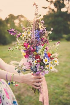 eco-friendly wildflowers boho wedding bouquet