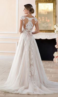 The Stella York Spring 2017 collection is an assembly of dream wedding dresses that range from classic, elegance to bohemian styles.