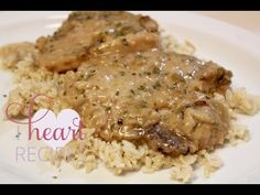 Easy Southern Smothered Pork Chops and Gravy | I Heart Recipes