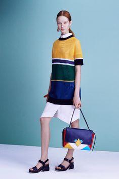 Shop Jil Sander Navy on #AMAZE:http://on.amz.az/1IK8LkT #fashionweek #runway   Jil Sander Navy Spring 2016 Ready-to-Wear Fashion Show
