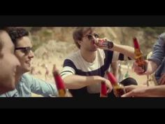 Anuncio video ESTRELLA DAMM 2014: FESTIVAL - Entrena el alma - The Vaccines #entrenaelalma - YouTube