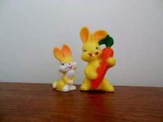 Two Gurley Easter Bunny Candles Yellow Rabbits Large with Carrot and Small Made in USA