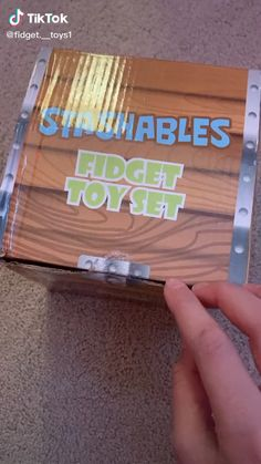 Homemade Fidget Toys, Cool Fidget Toys, Cool Toys, Figet Toys, Diy Toys, Diy Resin Crafts, Fun Diy Crafts, Oddly Satisfying Videos, Stress Toys