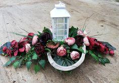 Na cmentarz Christmas Flower Decorations, Grave Decorations, Grave Flowers, Funeral Flowers, Festival Lights, Arte Floral, Craft Party, Ikebana, Decor Crafts