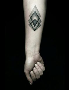 Geometric tatto