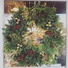great vancouver florist We've been busy making #freshchristmaswreath #freshwreaths #smflowers #northvan #northvanflorist #vancouverweddingflowers by @sm_flowers  #vancouverflorist #vancouverflorist #vancouverwedding #vancouverweddingdosanddonts