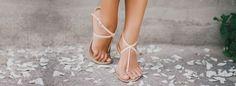 GEWUSST WIE: SO WIRST DU RISSIGE FERSEN LOS! Ballet Dance, Dance Shoes, Aloe Vera, Slippers, Fit, Beauty, Fashion, Immune System, Knowledge