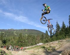 Photo of the Day: Don't Forget to Hold On | News | mountain-bike-action