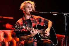 Justin Bieber Premieres New Song 'Insecurities' on Purpose Tour: Watch      Morgan Greenwald   Morgan Greenwald              During his Purpose Tour stop in ...