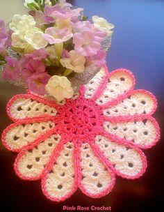 \ PINK ROSE CROCHET /: Centrinho - Petals Crochet Coaster