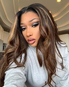 Image about girl in Megan Thee Stallion💦 by Moon Goddess Hair Inspo, Hair Inspiration, Curly Hair Styles, Natural Hair Styles, Brown Hair With Highlights, Honey Blonde Highlights, Light Brown Hair, Honey Brown Hair, Honey Blonde Hair