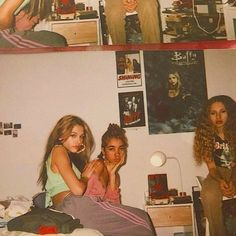 : retro pictures you can take with friends Cute Friend Pictures, Best Friend Pictures, Cute Pictures, Friend Pics, Film Pictures, Retro Pictures, Summer Aesthetic, Retro Aesthetic, Retro Fashion 90s