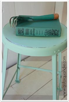 This metal stool was painted in Fusion's Laurentian #fusionmineralpaint
