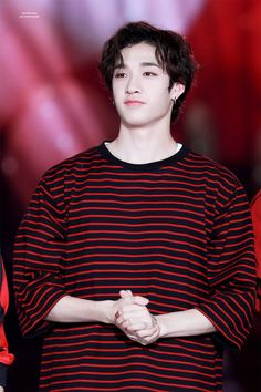 (Bang Chan \ Stray Kids) Watch me save every possible pic of this look on him 🤗🤗 K Pop, Rapper, Kim Woo Jin, Chris Chan, Stray Kids Chan, Kids Around The World, Fandom, Baby Shark, Lee Know