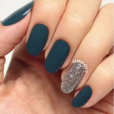 5 Minute Nail Art Ideas - Night Bling Nail Wrap - Easy And Classy Gel, Acrylic, And DIY Nail Art Ideas For Summer, For Winter, For Fall, And For Spring. Ideas For Teens, For Brides, For Weddings, For A Night Out With The Ladies, For Light Skin And Dark Skin Hands, And For Beginners And Experts - https://www.thegoddess.com/nail-art-ideas