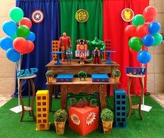 Hulk Birthday, Turtle Birthday Parties, Avengers Birthday, Avengers Party Decorations, Birthday Party Decorations, Superhero Party Food, Festa Pj Masks, Avengers Birthday Parties, Hulk Birthday Parties