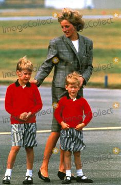 Princess Diana with Prince William and Harry (Henry) in Aberdeen 08-14-1989 Photo by Alpha-Globe Photos