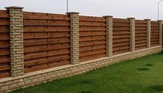 Photo Outdoor Privacy, Backyard Privacy, Backyard Fences, Garden Wall Designs, Backyard Garden Design, Door Gate Design, Fence Design, Brick Columns, Brick Wall