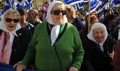 Las Madres cumplieron su ronda 1800 en Plaza de Mayo