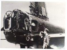 The rear gunner's turret of a 75 Squadron Stirling being inspected by S/Ldr. Wells, a visiting fighter pilot, after damage by a night fighter over Duisburg on April Ww2 Aircraft, Military Aircraft, Wellington Bomber, Ww2 Planes, Fighter Pilot, Nose Art, Royal Air Force, Royal Navy, More Pictures