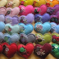Little felt and button heart brooch - choose your favourite colour - Free UK P&P