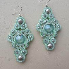 Handmade Beaded Jewelry, Custom Jewelry, Earrings Handmade, Soutache Necklace, Beaded Earrings, Bracelet Patterns, Shibori, Beaded Embroidery, Creations