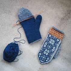 Knit lined mitten ❄ Fingerless Mittens, Knitted Gloves, Knitting Socks, Knitting Stitches, Hand Knitting, Knitting Patterns, Norwegian Knitting, Mittens Pattern, Mittens