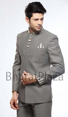 Unique Look Jodhpuri Suit. Item code: TSJ4046 https://twitter.com/bharatplaza_in  https://www.facebook.com/bharatplazaindianbridal
