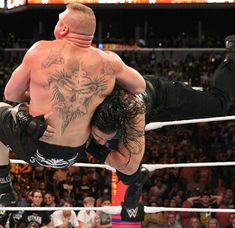 Check out photos from the Universal Championship Match between Brock Lesnar and Roman Reigns at SummerSlam. Wwe Roman Reigns, Survivor Series, Brock Lesnar, Royal Rumble, Wwe Photos, Wwe Wrestlers, Wwe Superstars, Roman Empire, Latest Pics