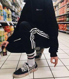₆⁶₆ noʎ ʞɔnɟ ₆⁶₆ — shawty blast right through my eyes - Style - Skater Girls K Fashion, Grunge Fashion, Korean Fashion, Mens Fashion, Fashion Outfits, Edgy Outfits, Grunge Outfits, Cool Outfits, Aesthetic Fashion