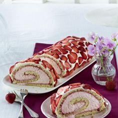 Erdbeer-Joghurtrolle Rezept | LECKER
